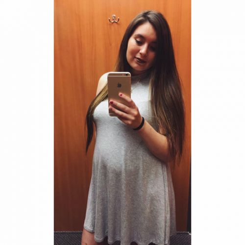 Savanna Lafontaine-Greywind during pregnancy with Haisley Jo - Facebook