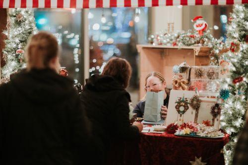 Christkindlmarkt Gift Market Friesen photography Folkways