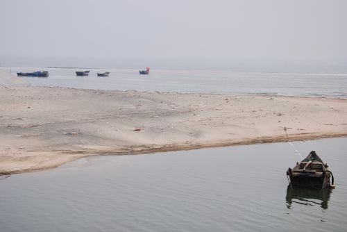 Climate change will influence fish migrations, kill coral reefs and end seafood trade as is currently known, Shandong, China - photograph by C.S. Hagen