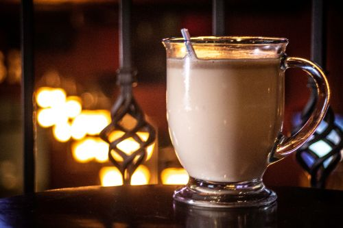 Hot buttered rum - photograph by Raul Gomez