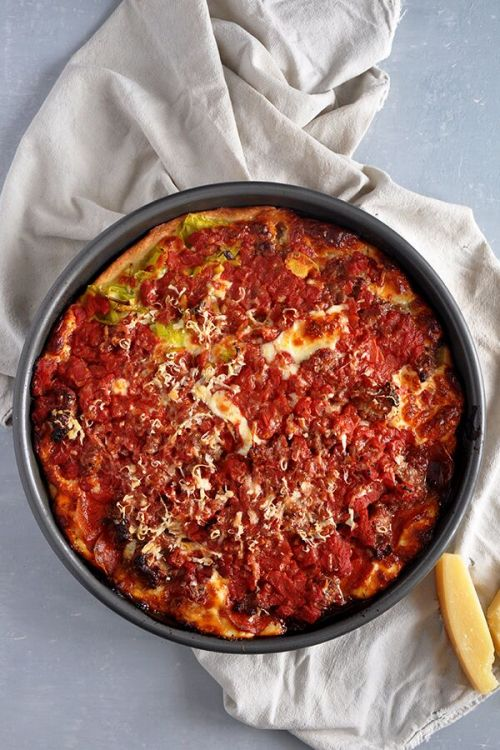Chicago's deep-dish pizza