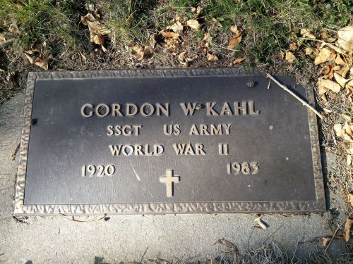 Gordon Kahl gravesite, Heaton, ND - photograph by Sabrina Hornung