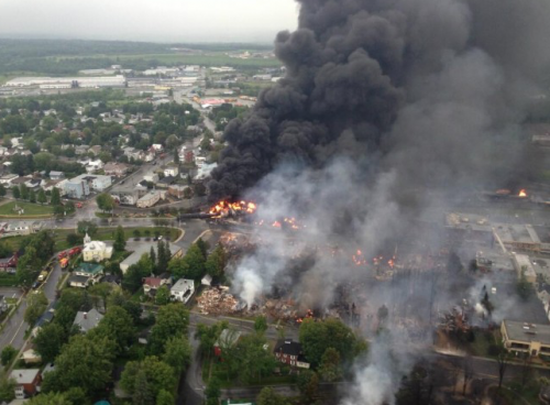 Bakken crude oil train derailment and ensuing destruction in Lac Magantic, Quebec 2013 - Wikipedia