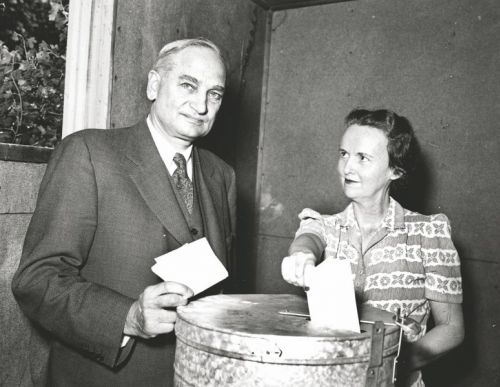 Governor Bill and Lydia Langer voting CA 1940